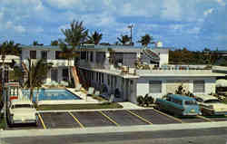 Seacomber Motel Apartments, 4625 North Ocean Drive Postcard