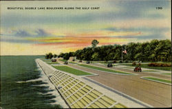 Beautiful Double Lane Boulevard Along The Gulf Coast