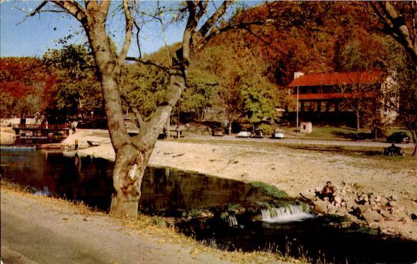 Roaring River Lodge, Roaring River State Park