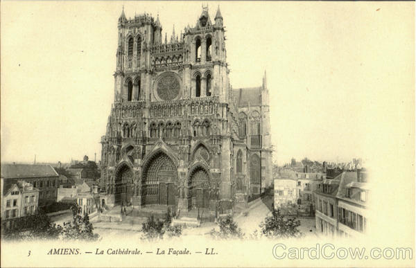 La Cathedrale La Façade Amiens France