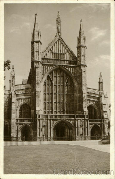 The West Front Begun By Bishop Edyndon England