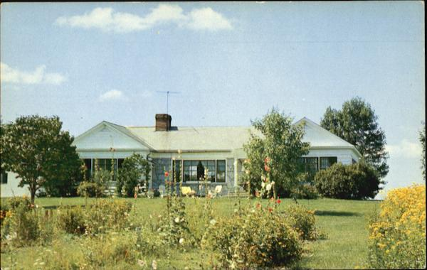 The Bulrushes Motel And Cottages, 4 miles West of Bennington Vermont