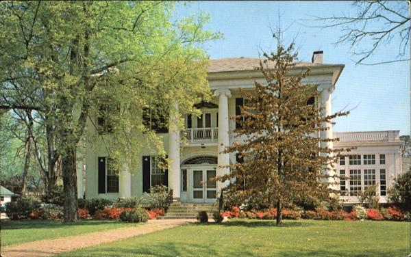 A Southern Mansion Scenic Alabama