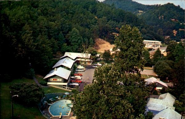 Carrs Northside Cottages And Motel, Fronting Roaring Fork