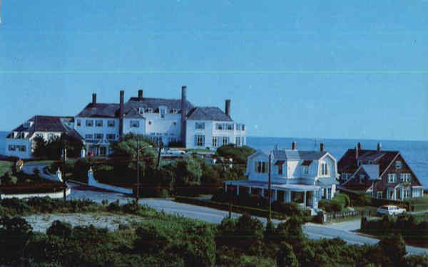 Elegant summer homes watch hill ri for Rhode island home builders