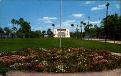 Circle Of Flowers And Band Shell, Ferran Park Postcard