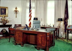 A Replica Of The Presidential Oval Office Postcard