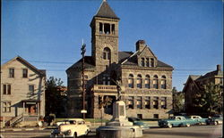 Court House And Civil War Monument