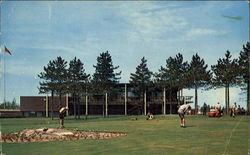 The Beautiful Idywylde Golf & Country Club Postcard
