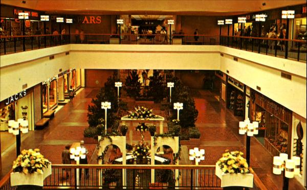 Your Favorite Family Mall! Warwick Mall is an enclosed shopping mall anchored by Macy's, JCPenney, Old Navy, Target, Nordstrom Rack and Jordan's Furniture.