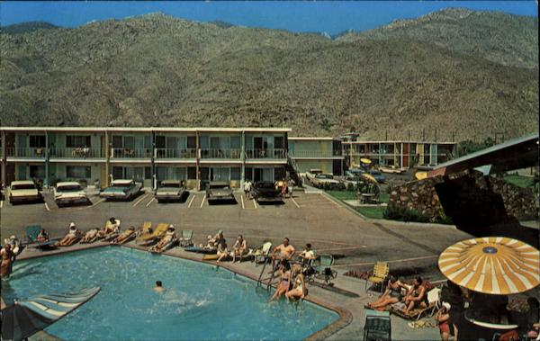 Palm Springs Trave Lodge, 333 East Palm Canyon Drive On Highway 111 California