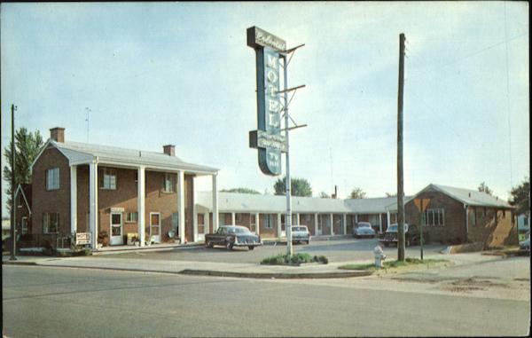 Colonial Motel, 1914 Princess Anne Street, U. S. Highways 1, 2, and 17 Fredericksburg Virginia