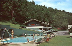 Carr's Northside Cottages And Motel, Fronting Roaring Fork Creek