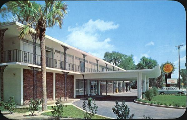 Quality Courts Motel And University Inn Restaurant DeLand Florida