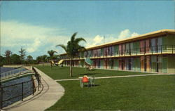 Holiday Inn Of Sarasota-Bradenton, 8221 N. Tamiami Trail Postcard