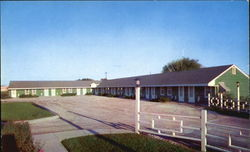 Shamrock Motel, U. S. 71 - 1 1/2 Miles North of Jct. 36 and 71