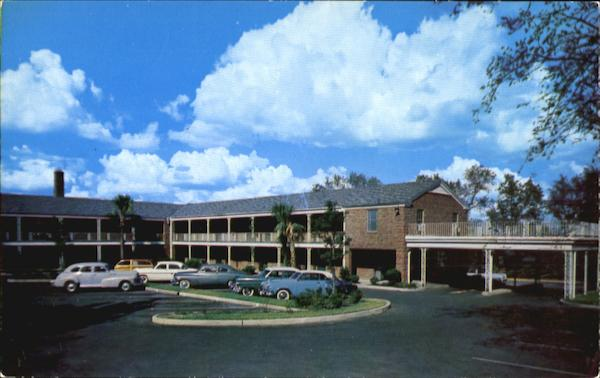 Town House Motor Hotel, Gervais & Henderson Sts. - 1/2 Block off U. S. Highways 1, 76, 378 Columbia South Carolina