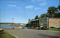 St. Clair Fisherman's Wharf Restaurant And Motor Lodge, 2 1/2 Miles N Postcard