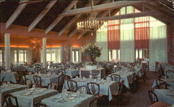 Main Dining Room - Coonamessett Inn