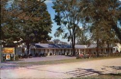 Colonial Motor Court, 462 Shelburne St. Postcard