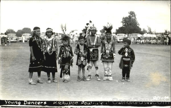 Young Dancers Kickapoo Pow-Wow Native Americana