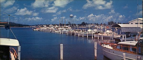 Beautiful Hollywood Yacht Basin Florida