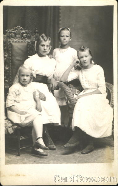 Portrait of four sisters Family Portaits