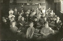 Early 20th Century Elementary Class Photo