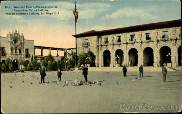 4414. Pigeons on Plaza de Panama, showing Sacramento Valley Building San Diego California