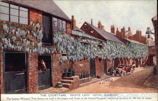 The Courtyard, White Lion Hotel Banbury Oxfordshire England