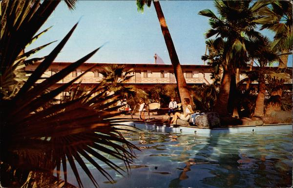 The pool at the Saga Motor Hotel Anaheim California