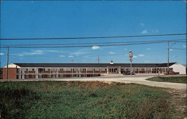 Colonial Motel Dyersville Iowa