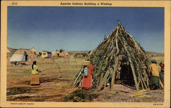 Apache Indians Building a Wicklap Native Americana