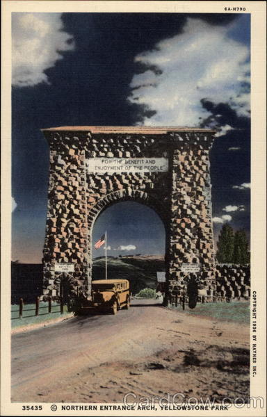 35435 Northern Entrance Arch, Yellowstone Park Gardiner Montana