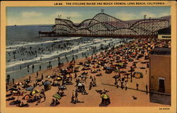 The Cyclone Racer and Beach Crowds