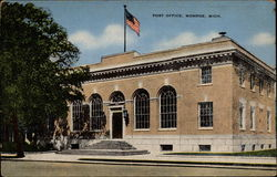 Post Office, Monroe, Mich Postcard