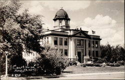 View of the courthouse in Forsyth, Montana