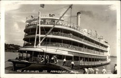 Steamer 'President' on the Mississippi River