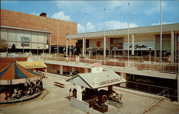The bergen mall paramus nj for 1 garden state plaza paramus nj