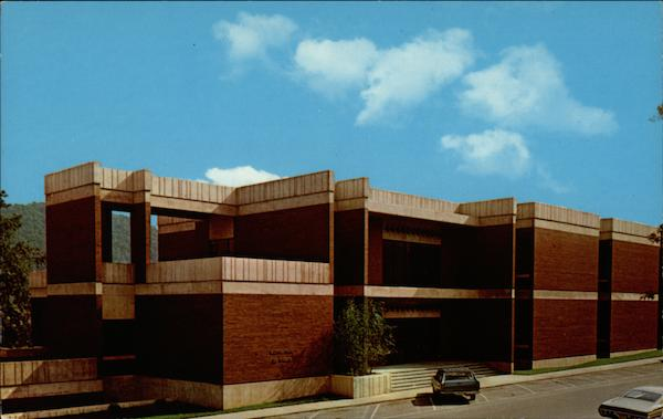 Claypool-Young Art Building / Morehead State University Kentucky