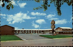 Carriage House Motor Lodge Postcard