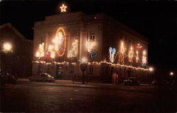 Court House Decorated For the Christmas Season