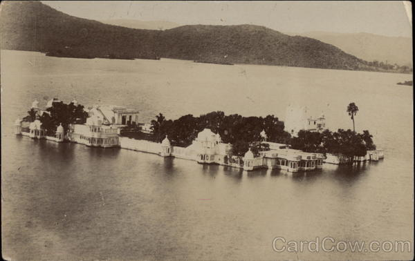 Lake Palace on Lake Pichola Udaipur India