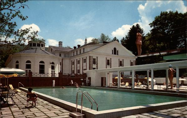 The Homestead - Outdoor Swimming Pool Hot Springs Virginia