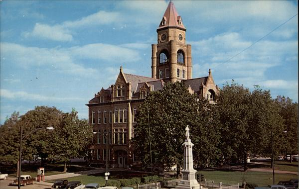City Square & Marion County Courthouse Knoxville Iowa