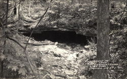Entrance to Wolf Cave, McCormack Creek State Park