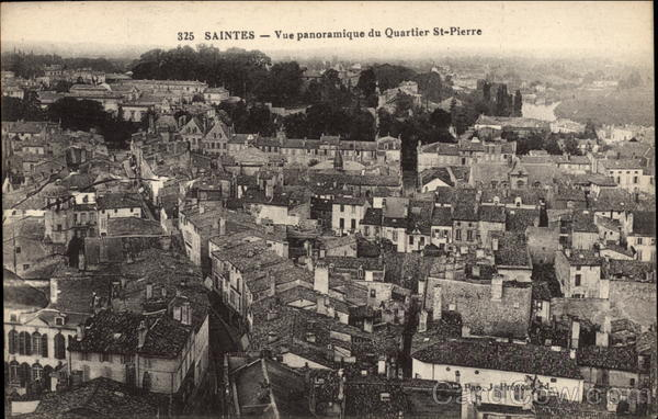 Vue panoramique du Quartier St-Pierre Saintes France