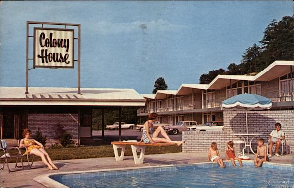 Pool Scene, Colony House Motor Lodge - Restaurant Roanoke Virginia