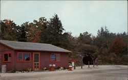 Ruggles Mine Gift Shop, Snack Bar and Mineral Display Postcard