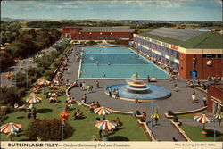 Butlinland Filey - Outdoor Swimming Pool and Fountains
